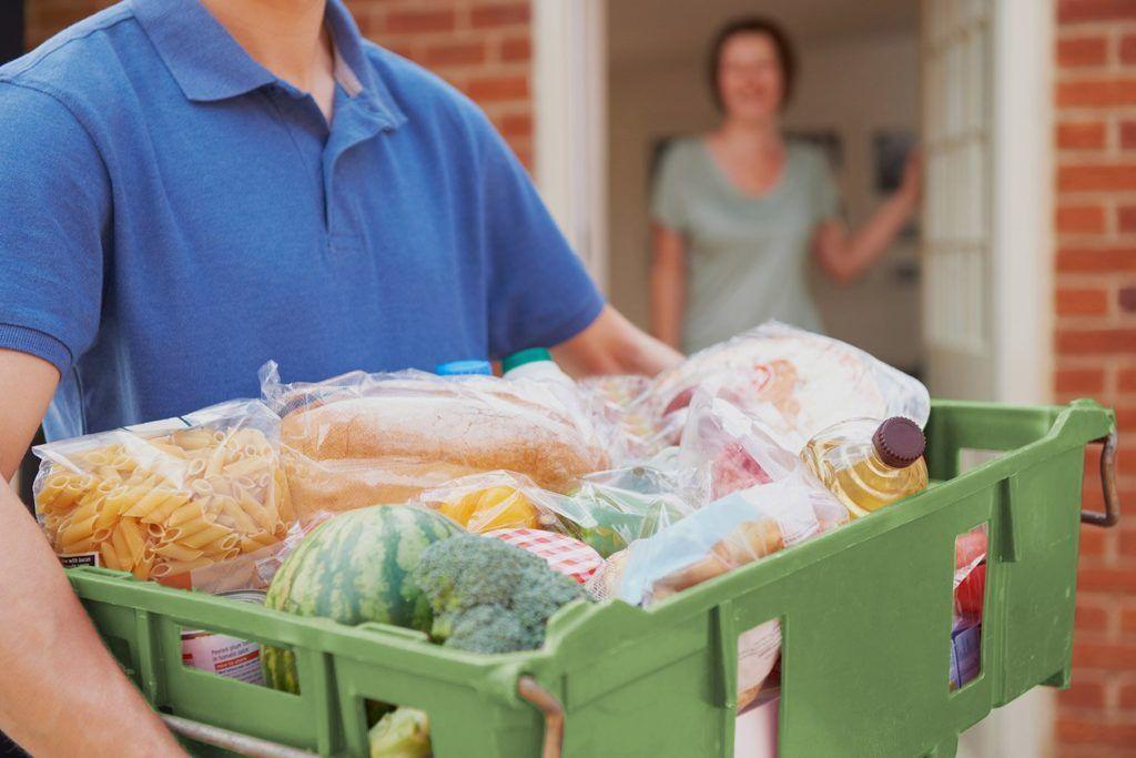 Преимущества использования онлайн-сервисов доставки продуктов и еды