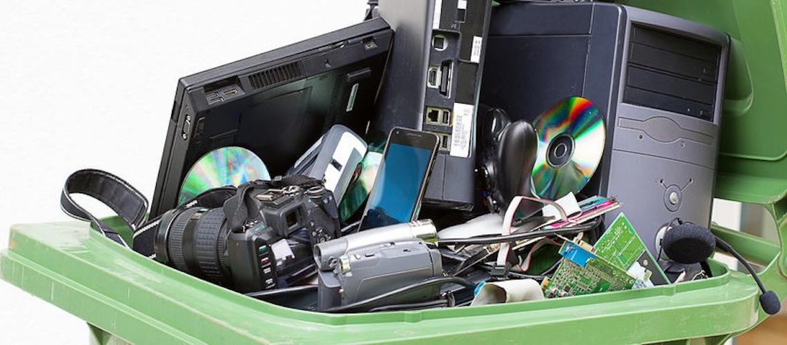 Почему нельзя выбрасывать офисную технику