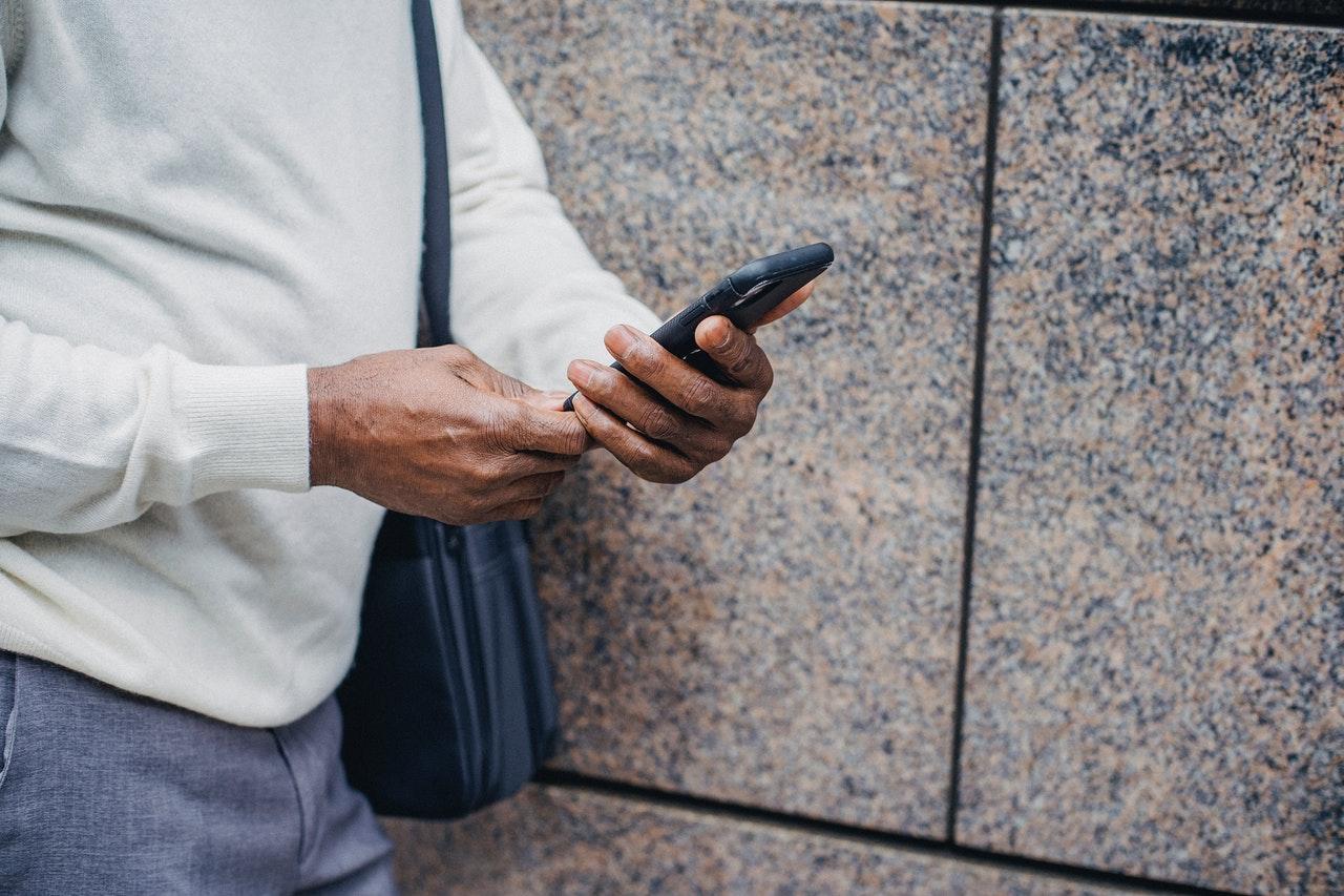 Отличия защищенного телефона