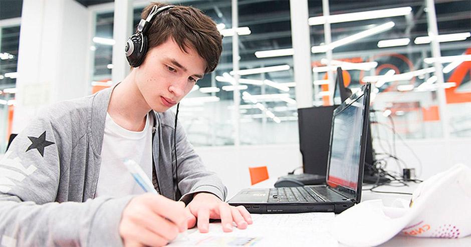 Зачем студенту идти на онлайн-обучение?